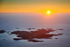 Ona i solnedgang - Flyfoto