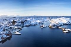 Dronefoto - Vinter i Røssøyvågen
